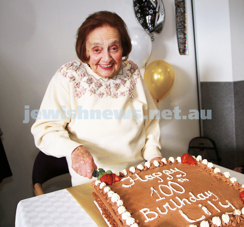 Emmy Monash Aged Care. 100th birthday Lily. <br /> Lily Stein marked the milestone with cake and speeches at Emmy Monash. <br /> photo: Peter Haskin