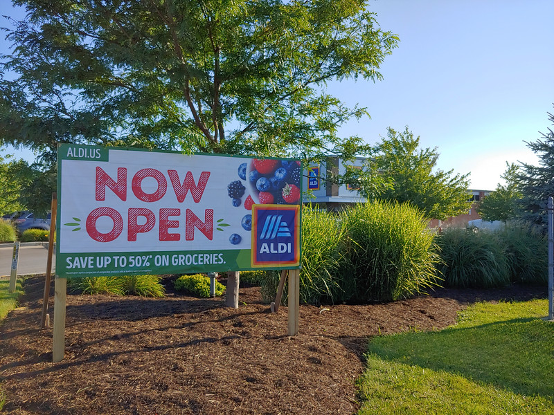 The newly remodeled Chardon Aldi held a grand reopening ceremony Aug. 23. The main change at the store is more space. (Betsy Scott, The News-Herald)