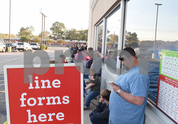 Customers line up to shop at Toys R Us right at their 5 p.m. opening for Black Friday sales Thursday Nov. 24, 2016 in Tyler.  (Sarah A. Miller/Tyler Morning Telegraph)