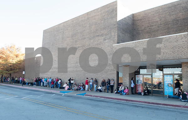 Customers line up outside of the JC Penney department store at Broadway Square Mall waiting for the 3 p.m. opening for Black Friday sales Thursday Nov. 24, 2016 in Tyler.  (Sarah A. Miller/Tyler Morning Telegraph)