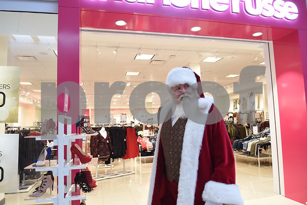 Santa Claus takes a walk at Broadway Square Mall in Tyler Tuesday Nov. 29, 2016.   (Sarah A. Miller/Tyler Morning Telegraph)