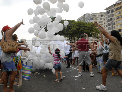 People participate at the 16th. Gay Pride Parade in Copacabana beach, Rio de Janeiro, Brazil, October 9, 2011. (Austral Foto/Renzo Gostoli)