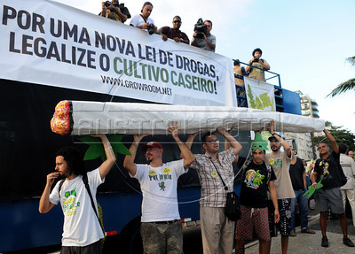 People protest for the legalization of marijuana during the Marijuana March at Ipanema beach, Rio de Janeiro, Brazil, May 5, 2012. (Austral Foto/Renzo Gostoli)