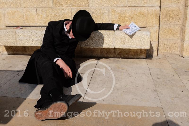 Jews Mourn Temple Destruction in Jerusalem, Israel