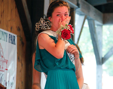 ALEC SMITH / GAZETTE Kelsey C. Hurley of Medina is crowned 2017 Medina County Fair queen Monday night.