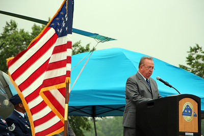 HALEE HEIRONIMUS / GAZETTE Col. Reed Kimball, retired U.S. Army, was the keynote speaker Sunday afternoon at the Ohio Western Reserve National Cemetery Memorial Day program that attracted thousands of people.