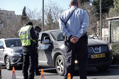 COVID-19: LOCKDOWN: Roadblocks in Jerusalem