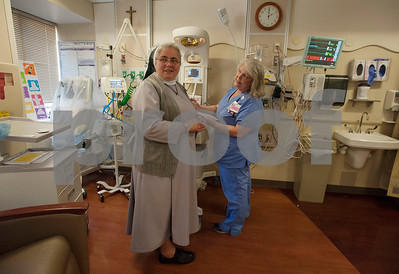 Roman Catholic nun offers love, support at Texas hospital