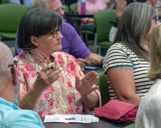 Asking a question at the Roosth Properties community meeting to discuss a new development plan, Thursday, May 30, 2019. The community meeting was held at the Faulkner Park police substation, in Tyler.. (Rick Flack Photo)