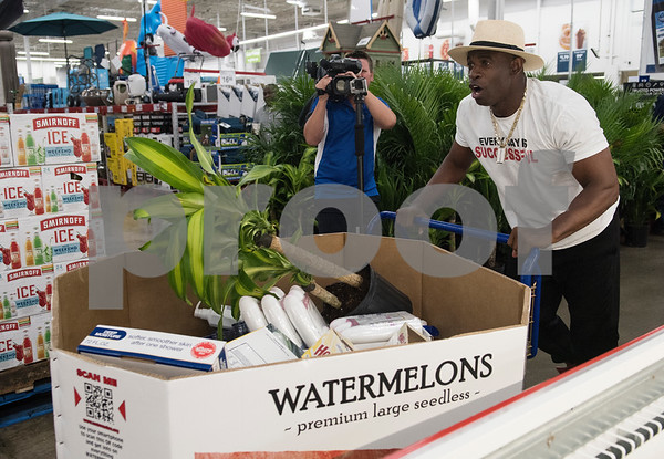 Deion Sanders Texas Shopping Spree