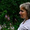 KRISTOPHER RADDER — BRATTLEBORO REFORMER<br /> Cynthia Payne-Maye talks with Irene Canaris and Terri Ziter  while they walk through her garden on Wednesday, Aug. 7, 2018.