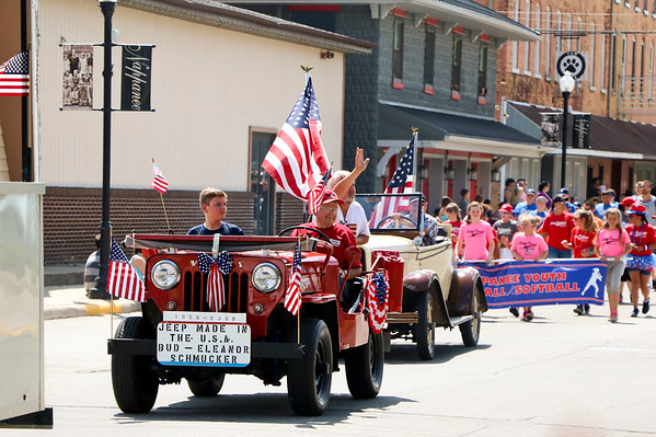 LEANDRA BEABOUT   THE GOSHEN NEWS<br /> Nappanee held its annual Fourth of July parade at 4 p.m. Wednesday.