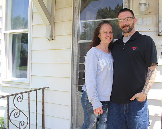 Liz Rieth | The GoshenNews<br /> Bobby and Lisa Gunnoe, former inmates of Elkhart County Jail, live in a house Jail Ministry of Elkhart County owns June 13.