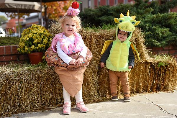 BEN MIKESELL | THE GOSHEN NEWS<br /> Olivia Hunter, 2, left, with her cousin Owen Swihart, 1, both of Goshen.