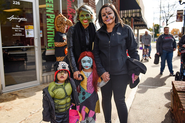 BEN MIKESELL | THE GOSHEN NEWS<br /> From left to right are Eros Patino, 2, Edna Medina, Mia Gutierrez, 4, and Andrea Olivas, all from Goshen.