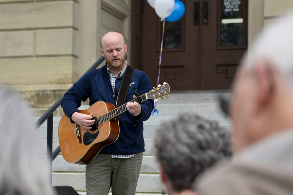 BEN MIKESELL | THE GOSHEN NEWS<br /> Worship leader Josh Easton plays guitar at the beginning of the noon National Day of Prayer service Thursday at the Elkhart County Courthouse.