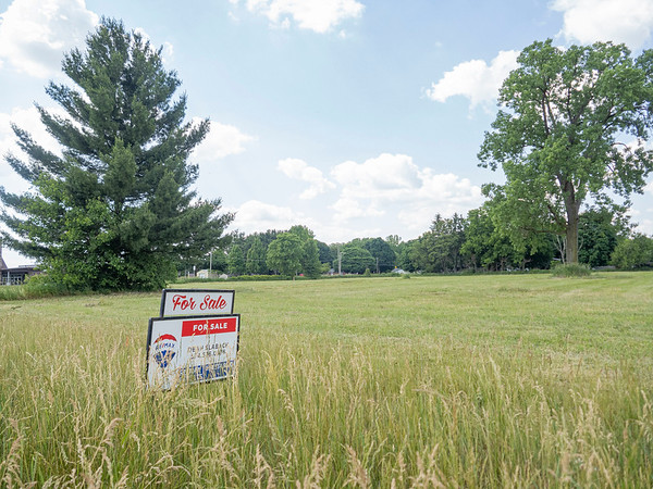 This vacant site, located on the northeast corner of the intersection of Indiana and Plymouth avenues on the city's southwest side, is the proposed location of a new 48-unit apartment complex.
