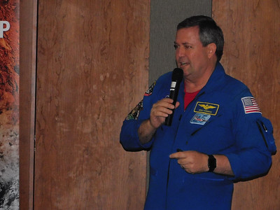 Astronaut talks about going from Wadsworth to space