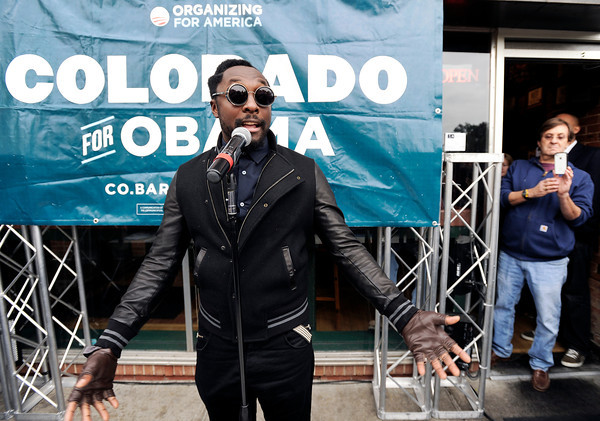 "Black Eyed Peas star Will.i.am speaks to the crowd on Thursday, Oct. 4, during an Obama campaign rally outside of Half Fast Subs in Boulder. For more photos and video of Will.i.am in Boulder go to  <a href=""http://www.dailycamera.com"">http://www.dailycamera.com</a><br /> Jeremy Papasso/ Camera"