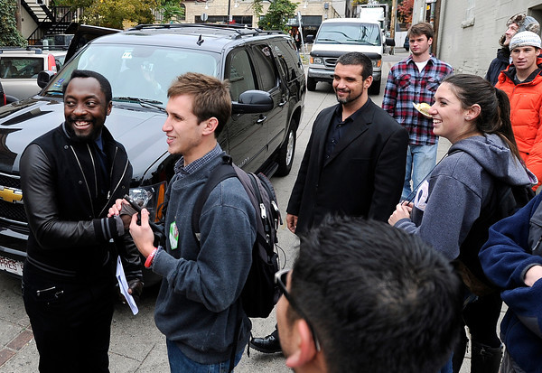 "Black Eyed Peas star Will.i.am shakes hands with University of Colorado junior Joe Wirth on Thursday, Oct. 4, after an Obama campaign rally outside of Half Fast Subs in Boulder. For more photos and video of Will.i.am in Boulder go to  <a href=""http://www.dailycamera.com"">http://www.dailycamera.com</a><br /> Jeremy Papasso/ Camera"