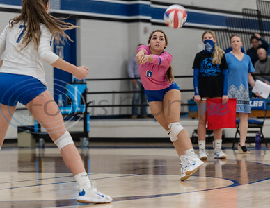 Lindale High School's Marleigh Thurman makes a save  during their game against Bullard at Lindale High School on Tuesday, Sept. 29, 2020. No. 2 Lindale swept No. 14 Bullard (25-22, 25-21, 25-20).