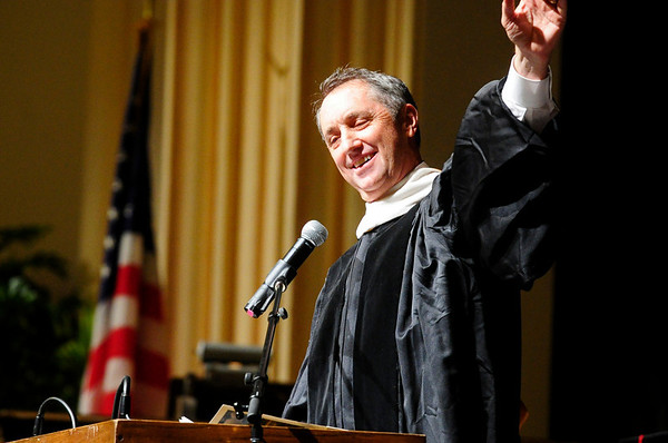 GRAD<br /> Sportswriter Rick Reilly cracks jokes during the University of Colorado's graduation ceremony for the School of Journalism and Mass Communication.<br /> Photo by Marty Caivano/May 5, 2011
