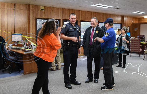 Jacksonville residents and officers gathered at the Jacksonville Chamber of Commerce for a Coffee with a Cop event on Thursday, February 20. The event served to welcome new Police Chief Joe Williams and bring the public and officers together in a relaxed setting.