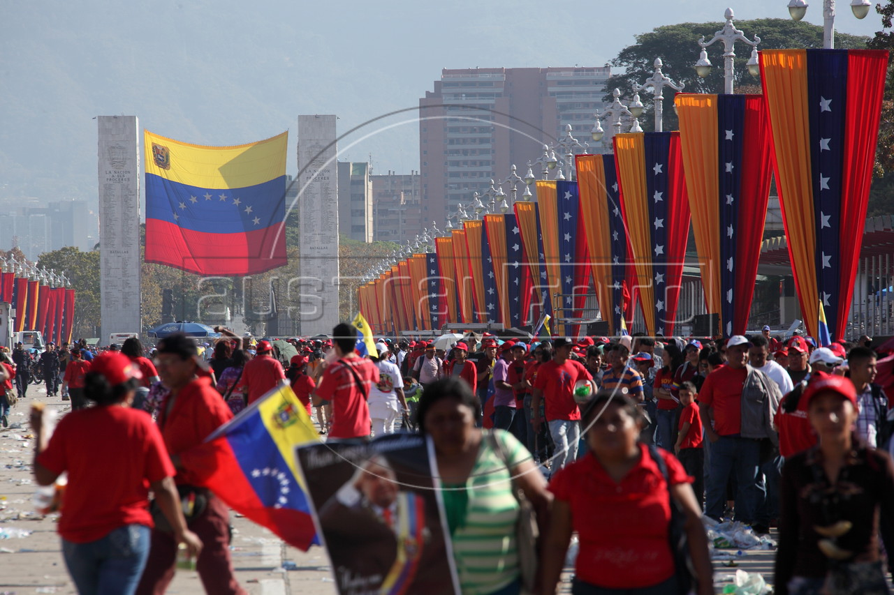 Crowds gathered early for the funeral of Hugo Chavez, the controversial and chrasimatic leader of Venezuela, in Caracas. (Australfoto/Douglas Engle)