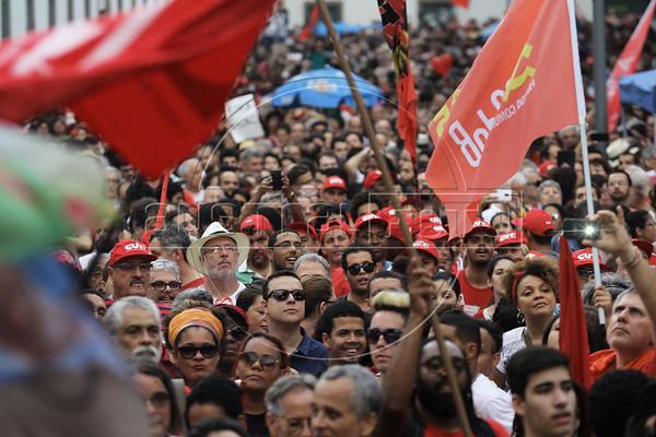 Pro- Dilma and Lula manifestation