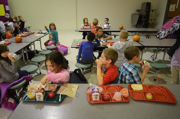 Dinner Program at Brayton Elementary School-102016