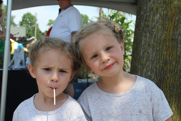 ELIJAH DURNELL | THE GOSHEN NEWS<br /> Posey, 5, and Elie, 4, both of Michigan