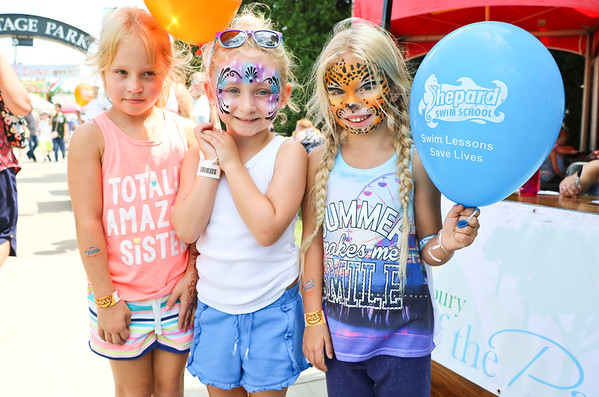 LEANDRA BEABOUT | THE GOSHEN NEWS<br /> Froml left, Mia Miller, 6, Peyton Mitchell, 5, and Holly McKelvey, 5, all of Elkhart