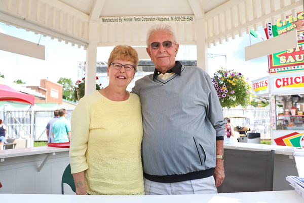LEANDRA BEABOUT | THE GOSHEN NEWS<br /> Sherry and Dale Showalter of Goshen
