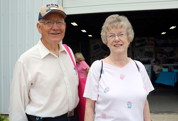 GEOFF LESAR | THE GOSHEN NEWS<br /> Robert Beachey and Marilyn Beachey, White Pigeon, Michigan