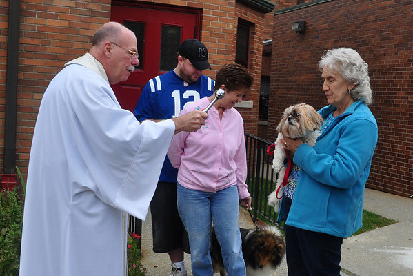 Blessing of the Animals-100513