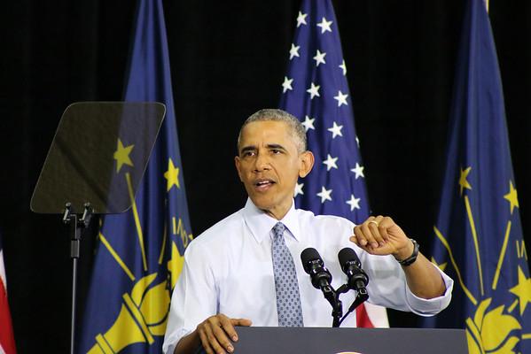 LYNNE ZEHR   THE GOSHEN NEWS<br /> President Obama speaks at Concord High School.