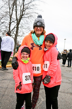 LEANDRA BEABOUT | THE GOSHEN NEWS<br /> Simone Allen, 5; Sheila Johnson; and Serenity Jones, 8, all of Jones, MI