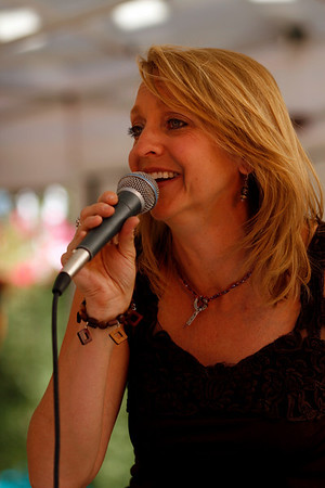 "Lisa Bell performs on the Eldora Main Stage Saturday, Sept. 25, during the Fall Festival on Pearl Street.<br /> For photo gallery and video, go to  <a href=""http://www.dailycamera.com"">http://www.dailycamera.com</a><br /> Daniel Clements / For the Camera"