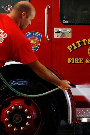 Fire Engine Wash-072018
