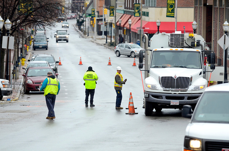 Unitil works on a gas leak on Main St. in Fitchburg on Monday, with traffic being rerouted down Wallace Ave.<br /> SENTINEL & ENTERPRISE / BRETT CRAWFORD