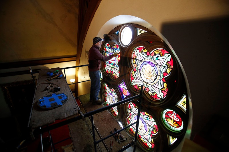 STAINEDGLASSREMOVAL