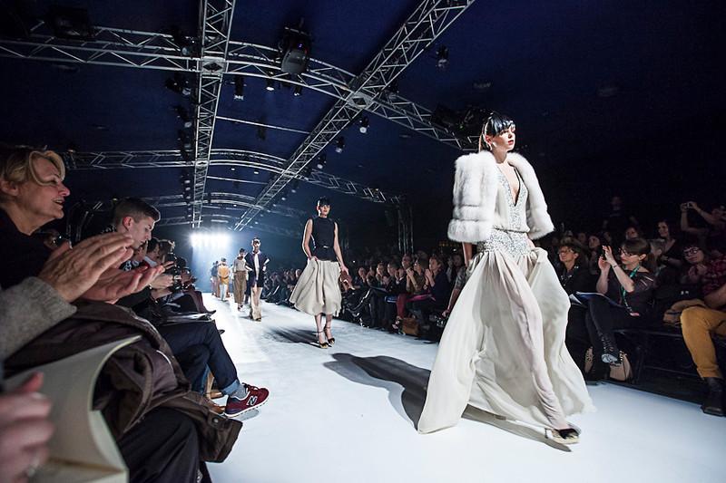Behind the scene of the Montréal Fashion week. <br /> <br /> Reportage sur les coulisses de la semaine de la mode de Montréal.<br /> Dans cette photo des mannequins défilent .<br /> Photo Olivier PontBriand