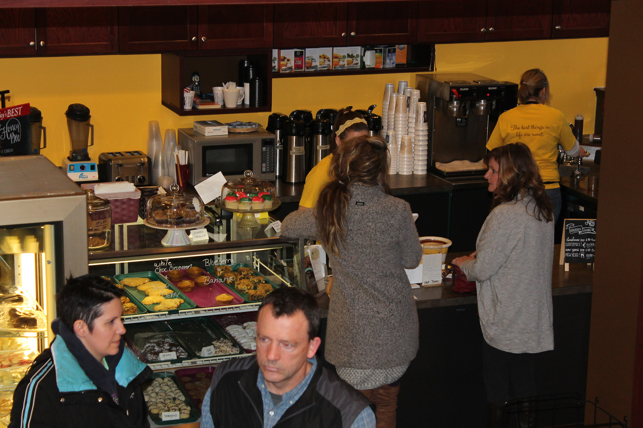 LAWRENCE PANTAGES / GAZETTE The Honey Bee Bakery at 23 Public Square was officially welcomed by Medina city officials on Friday. The bakery owner is Keni Scherbinski. The store replaces The Bakery Shoppe that had closed. Scherbinski had worked at the store under previous ownership.