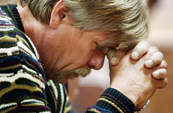 Globe/T. Rob Brown<br /> David Kinsey of Monett prays during a recovery meeting Sunday, Nov. 27, 2006, at Shoal Creek Revival Church east of Granby.<br /> Section: Special Section - Meth Story: Max McCoy