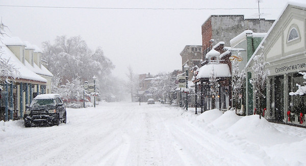 Times Sentinel photo<br /> Zionsville's Main Street was virtually deserted Sunday as about a foot of snow fell.