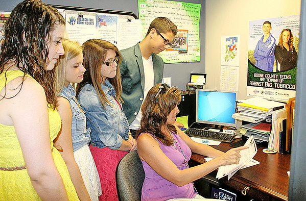 Rod Rose The Lebanon Reporter<br /> Tobacco Free Boone County Coordinator Angie Dickerson will escort Western Boone Voice members Ashley Smith (left); Marigrace Kochert, Samantha Cummings, and Ethan Zimmerman to Washington, D.C. in July for a national conference.