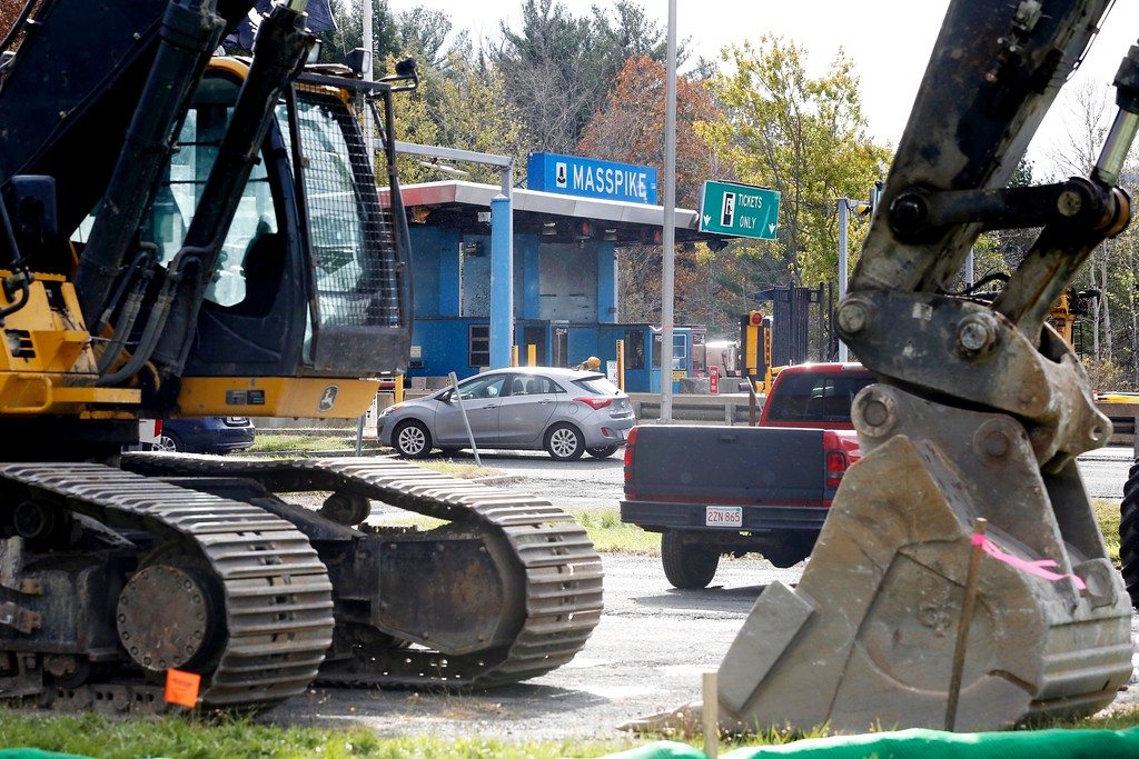 . At approximately 10PM, the cash tolls will be closed for good and the demolition of the entire Mass Pike Exit 1 toll plaza in West Stockbridge will begin. Friday, October 28, 2016. Stephanie Zollshan � The Berkshire Eagle | photos.berkshireeagle.com