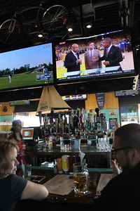 LAWRENCE PANTAGES / GAZETTE Patrons at On Tap Grille at 2736 Medina Road in Montville Township were able to enjoy Game 7 of the NBA Finals on 42 different screens around the bar and dining areas.