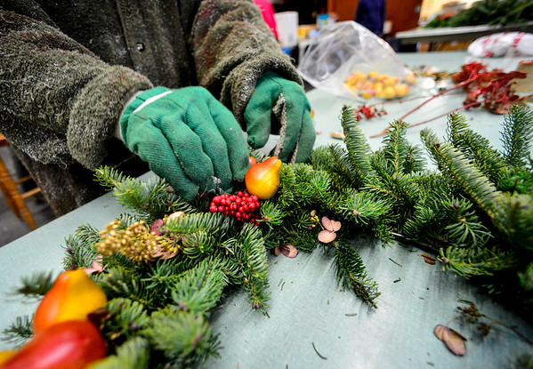 Making holiday wreaths - 113016