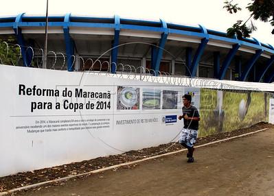 A man runs along side the Maracana stadium,  Rio de Janeiro, Brazil, March 31, 2011. (Austral Foto/Renzo Gostoli)